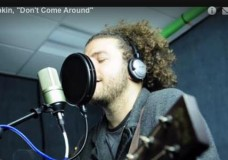 Rob Drabkin performs 'Don't Come Around'