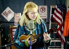 Nellie McKay performs 'Adios'
