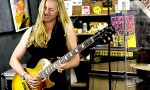 Joanne Shaw Taylor and Blues Caravan perform 'Diamonds in the Dirt'