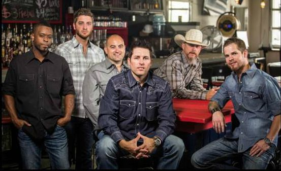 Casey Donahew Band perform songs about real life