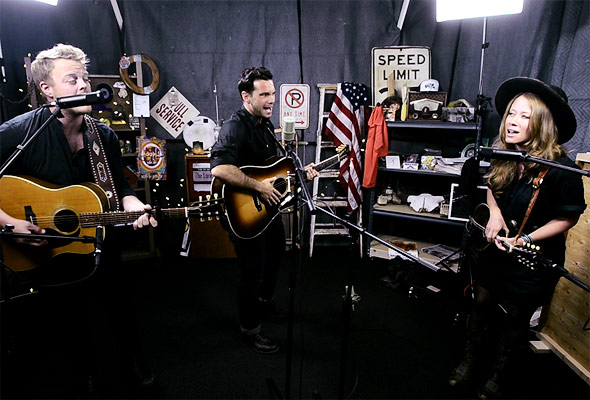 The Lone Bellow perform 'Teach Me to Know'