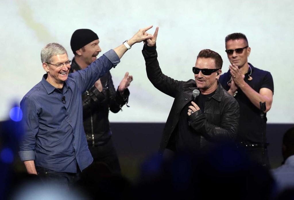 Forward-thinking U2 scores pub after releasing album free on iTunes