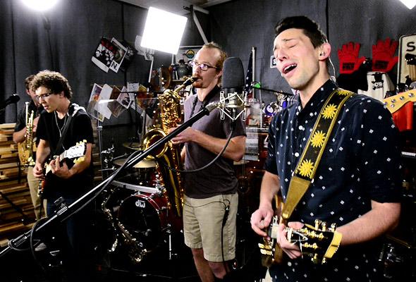 Rocktin Grove perform 'Restless'